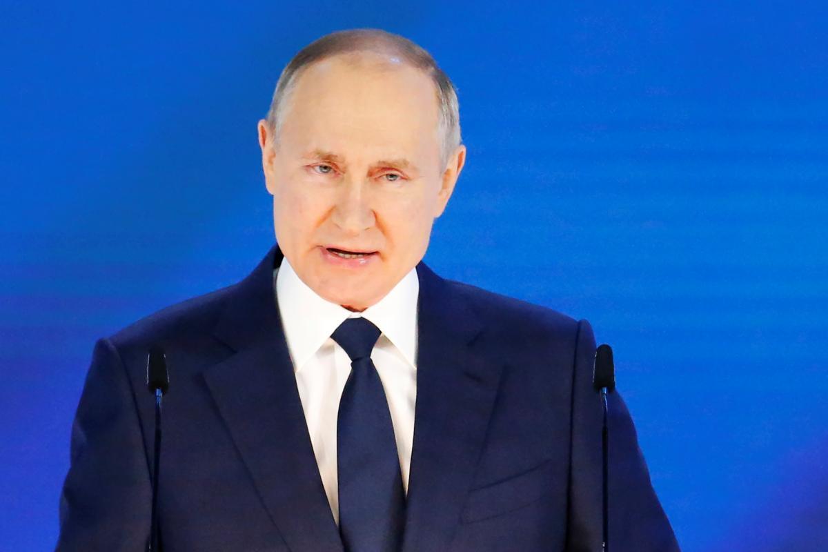 """Путин написал """"статью"""" о так называемом единстве россиян и украинцев / Фото: REUTERS"""