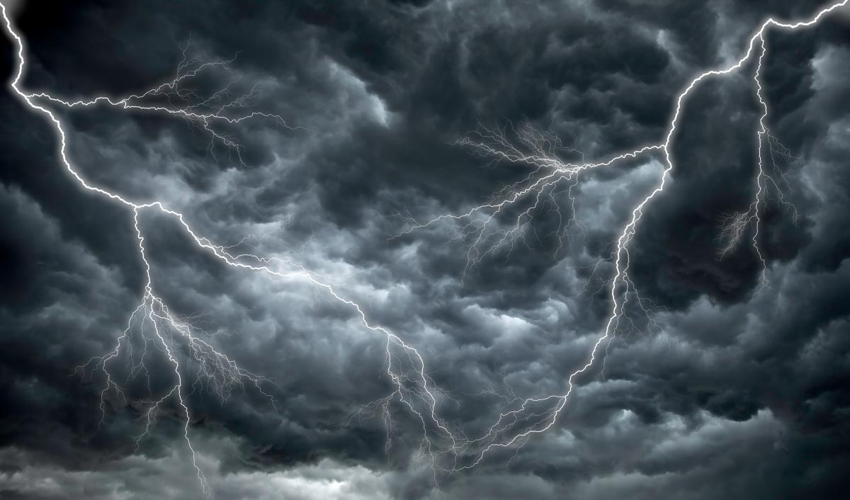 На некоторые области налетит непогода / фото ua.depositphotos.com