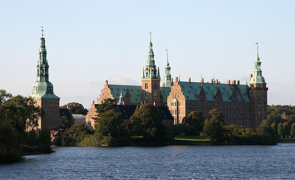 Замок Фредеріксборг - один із загальновизнаних шедеврів скандинавського ренесансу / фото Вікіпедія
