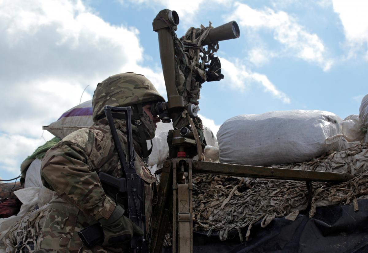 Украинские военные контролируют ситуацию в районе ООС / Фото: REUTERS