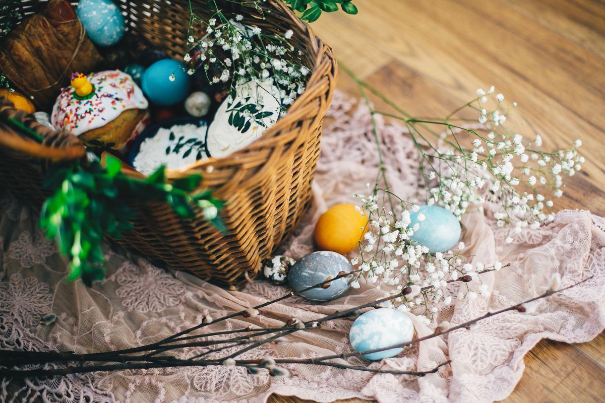 Богослужіння на Великдень 2021 - де дивитися / фото ua.depositphotos.com