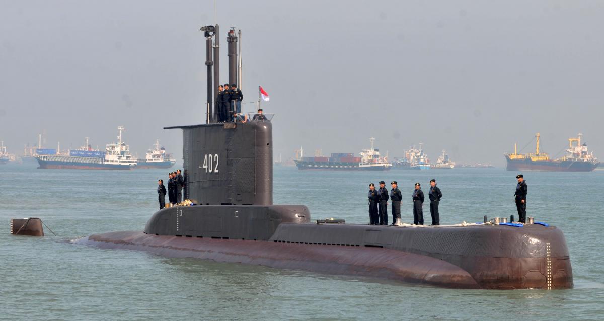 У разі відключення електроенергії на підводному човні достатньо кисню на 72 години / фото REUTERS