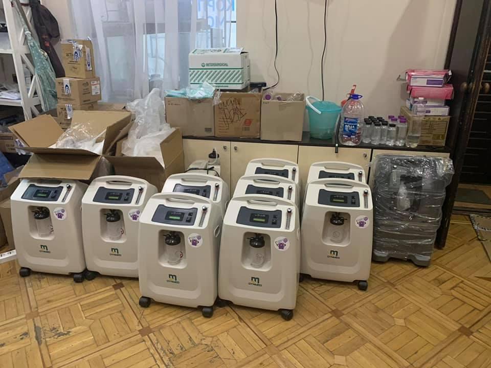 За полгода подарили опорным больницам города и области почти 170 кислородных концентраторов / фото facebook.com/katherine.nozhevnikova