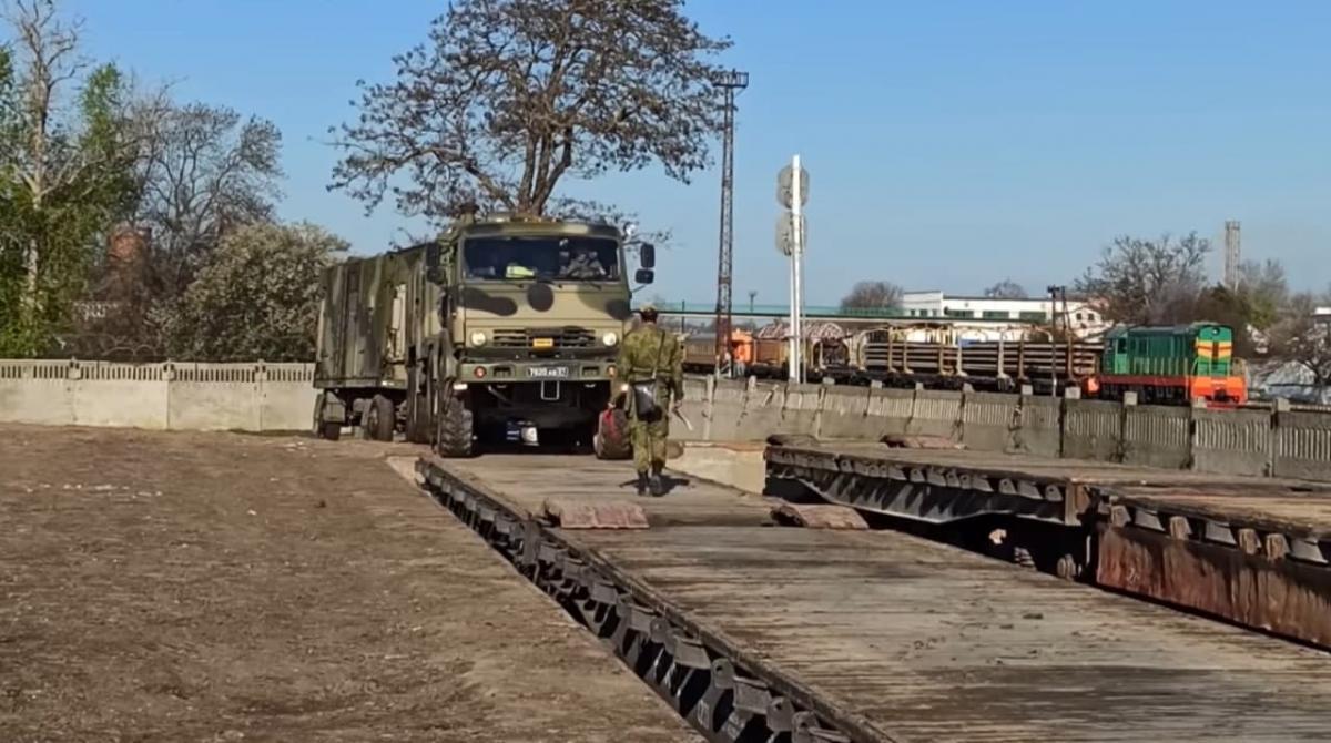 На полуостров передислоцировали 1367 единиц автомобильной и спецтехники, заявила Денисова / скриншот