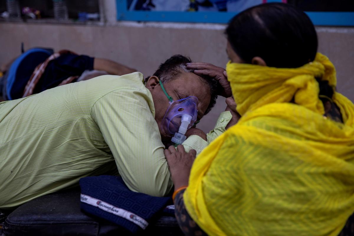 Эпидемия коронавируса в Индии привела к неожиданным последствиям / REUTERS