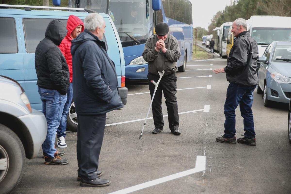 Журналисты заметили, что многие из ликвидаторов прихрамывают / фото УНИАН,Ратынский Вячеслав