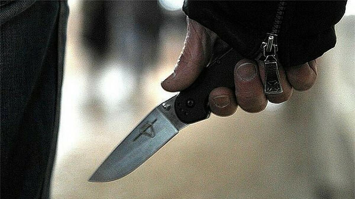 Уралец инсценировал свое ограбления, напав на себя с ножом / фото vgorode.ua