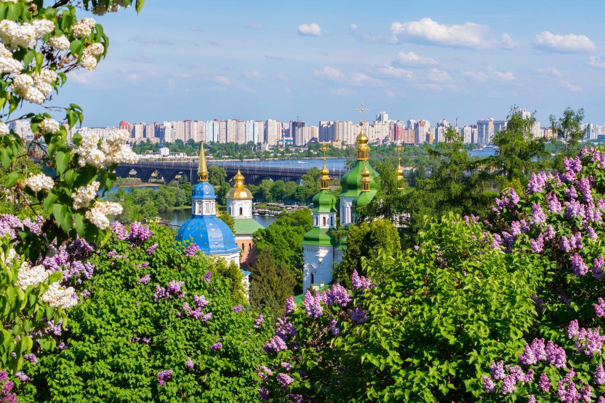 Травень 2021 - православні свята на кожен день / фото ua.depositphotos.com