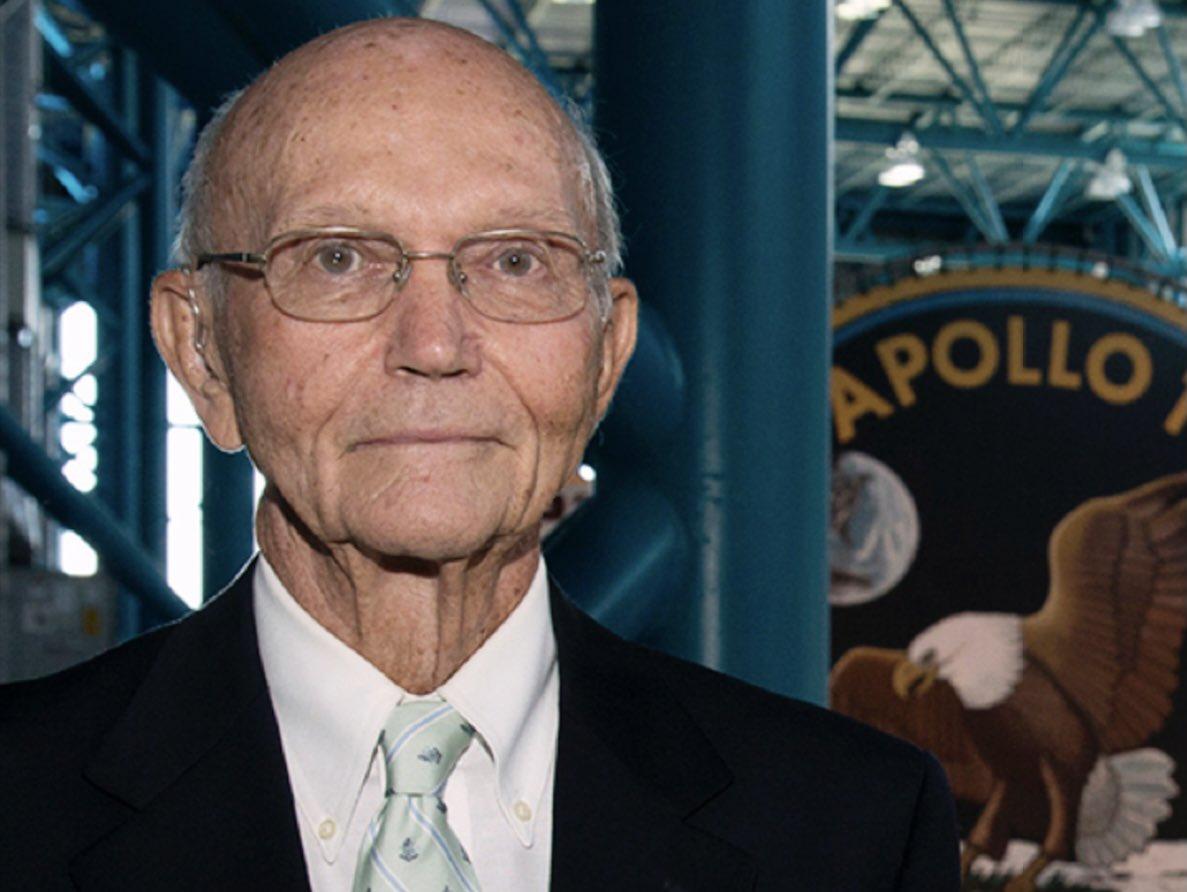 Коллинз стал первым в истории человеком, совершившим два выхода в открытый космос за один полет / фото twitter.com/AstroMCollins