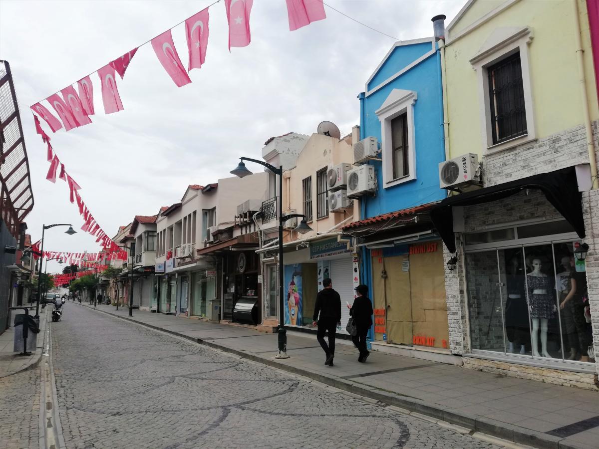 Туристам у Туреччині не забороняється виходити на вулицю, але певні незручності від локдауну є і для них / фото Марина Григоренко