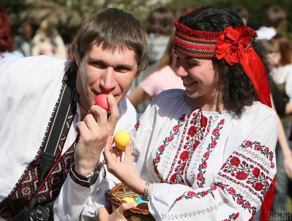 В этом году на Пасху украинцы будут отдыхать целых четыре выходных / Фото УНИАН, Евгений Кравс