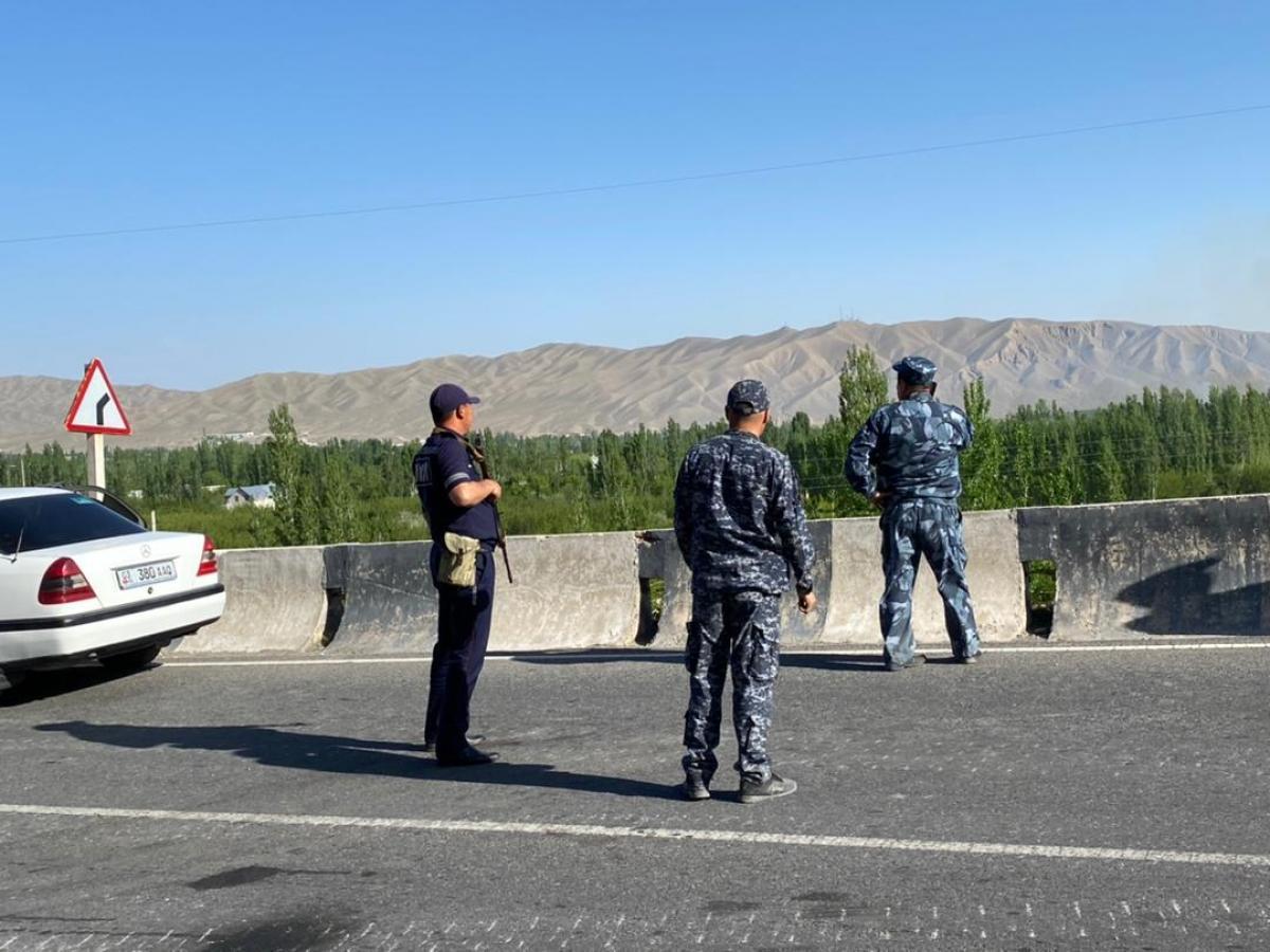 Сторони вивели додаткові сили і техніку з лінії державного кордону / фото mvd.gov.kg