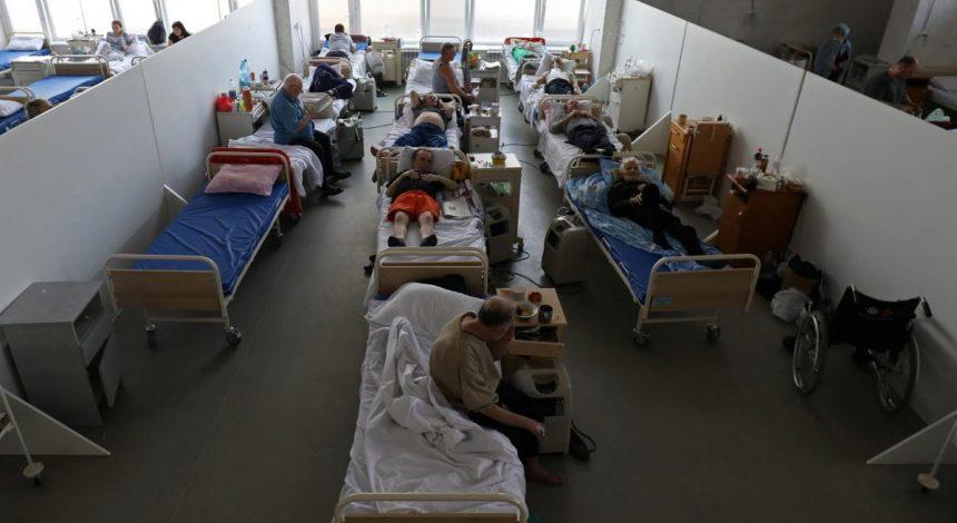 Україні загрожує четверта хвиля коронавірусу, але її можна уникнути: імунолог назвав умови