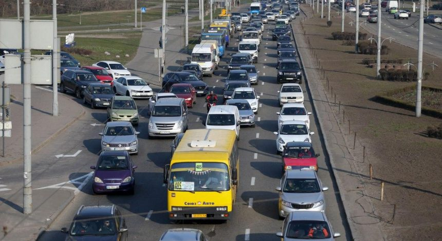 У центрі Києва обмежили швидкість руху транспорту: де доведеться пригальмовувати