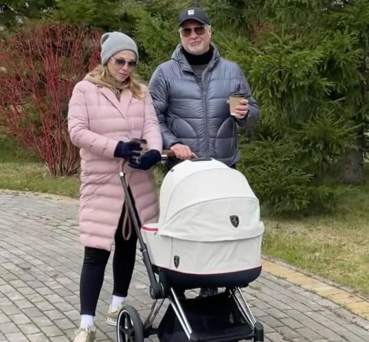 Ім'я новонародженої розсекретив зірковий дядько Костянтин Меладзе / фото instagram.com/meladzevalerian