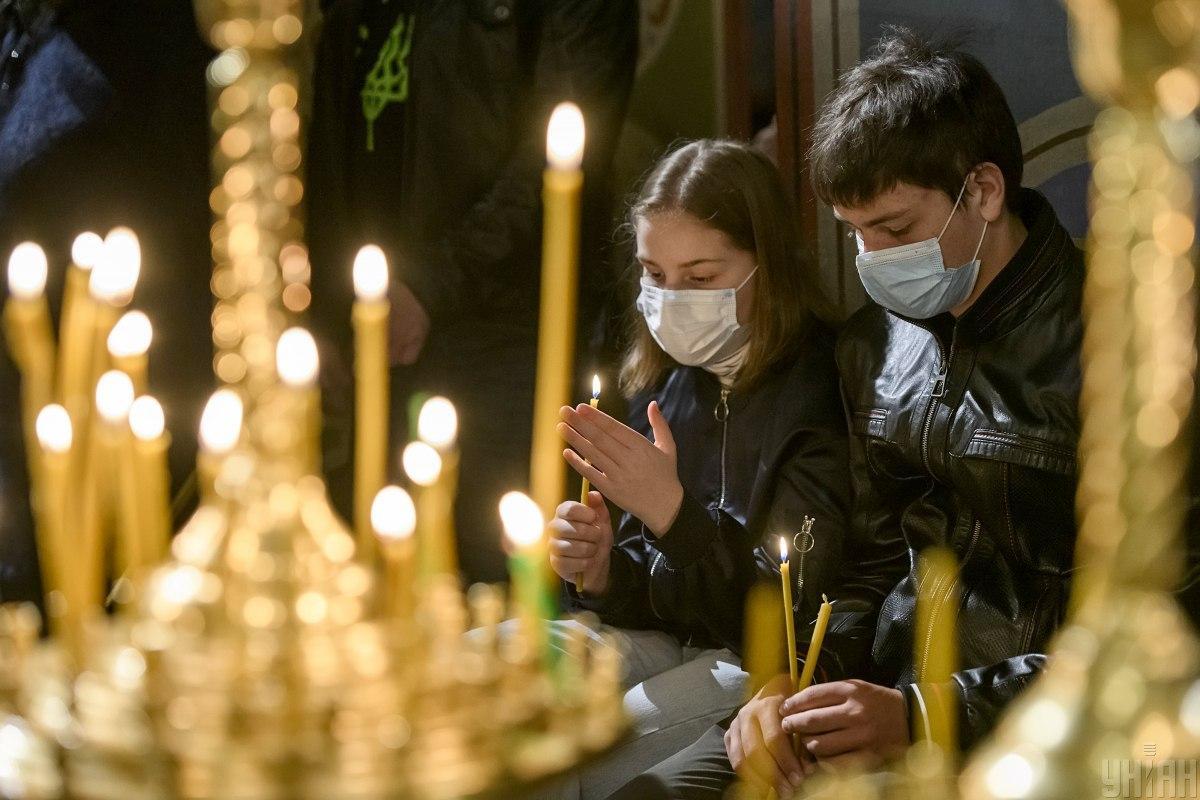 К УПЦ Московского патриархата положительно относятся 24% населения \ фото УНИАН