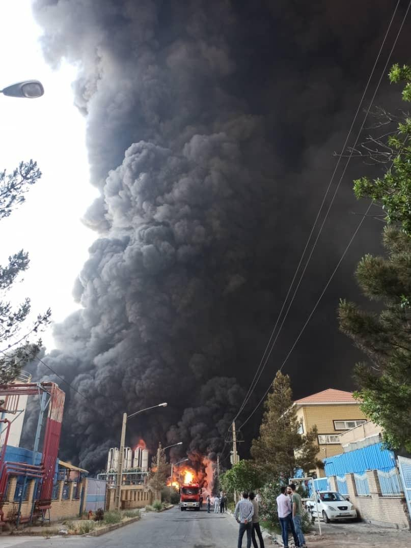 В Ірані на хімзаводі сталася велика пожежа / фото Tasnim News Agency