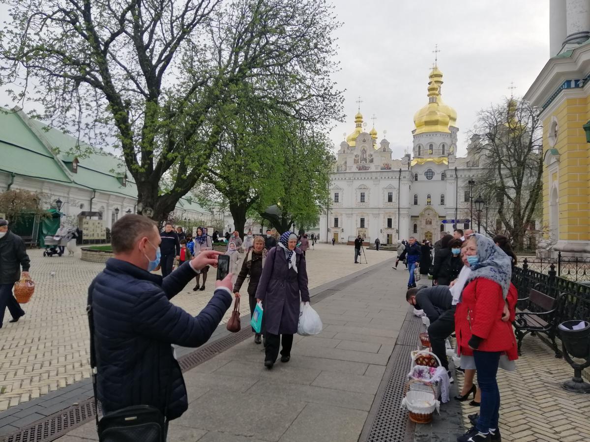 Часть прихожан проигнорировали призывы / фото УНИАН