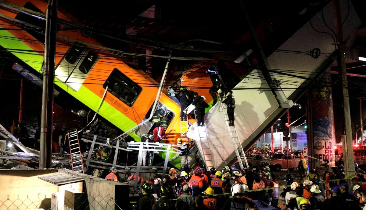 У Мехіко обвалився метроміст / фото REUTERS