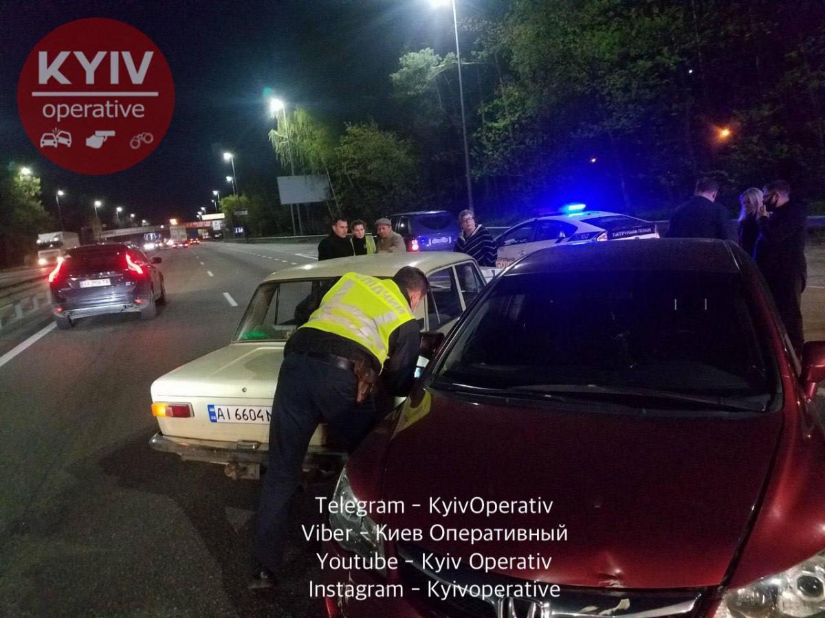 Місце аварії на Брест-Литовському шосе / фото: Киев Оперативный Facebook