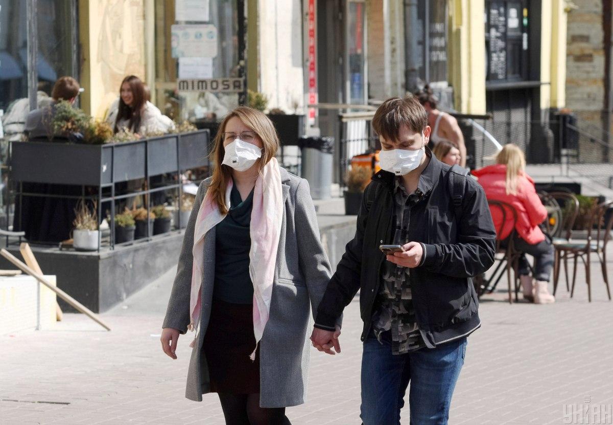 В Украине седьмую неделю подряд снижается уровень заболеваемости COVID-19 / фото УНИАН