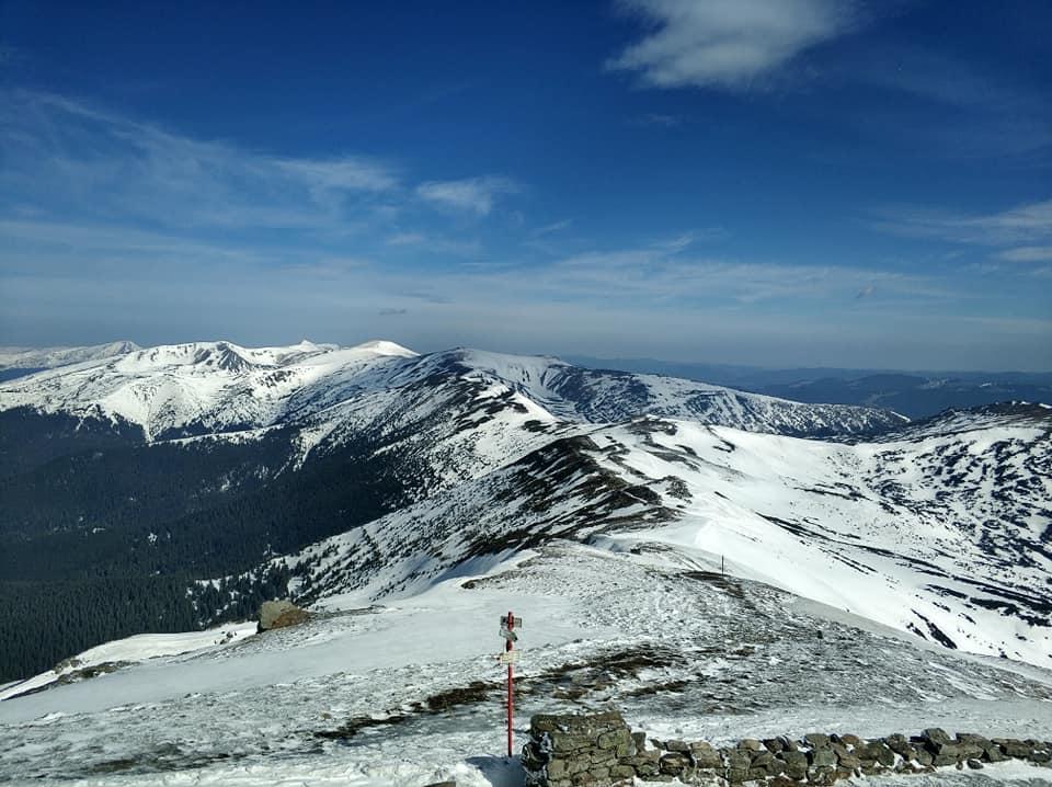 В горах еще лежит снег / Фото facebook.com/chornogora.rescue112