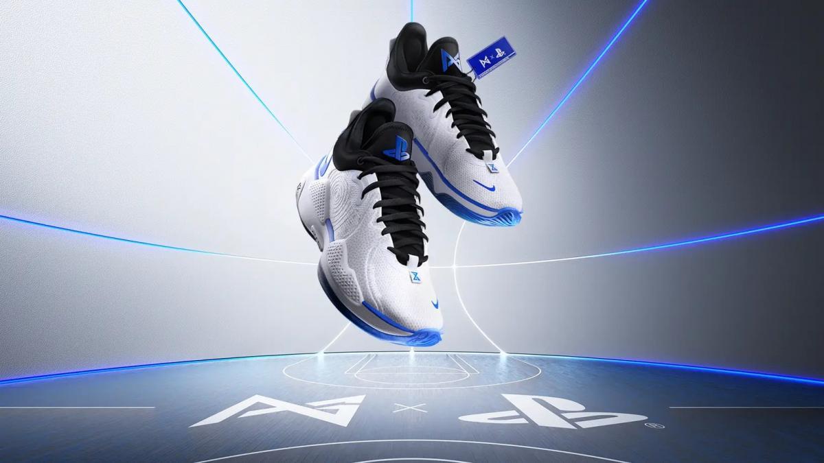 Кроссовки в стиле PlayStation / фото blog.playstation.com