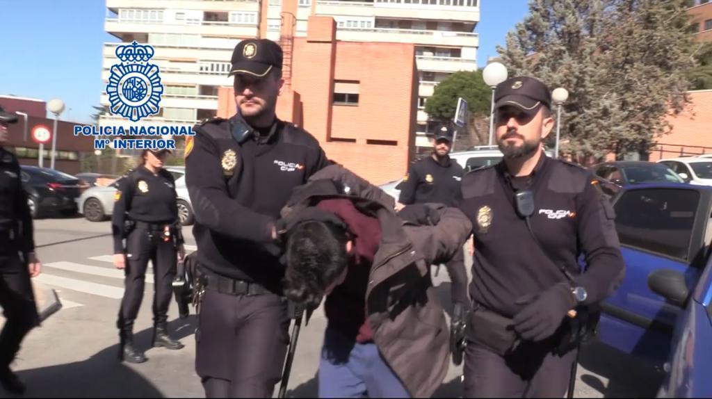 """Мужчина задушил мать, а затем расчленил ее тело, чтобы """"понемногу"""" есть / фото Policía Nacional"""