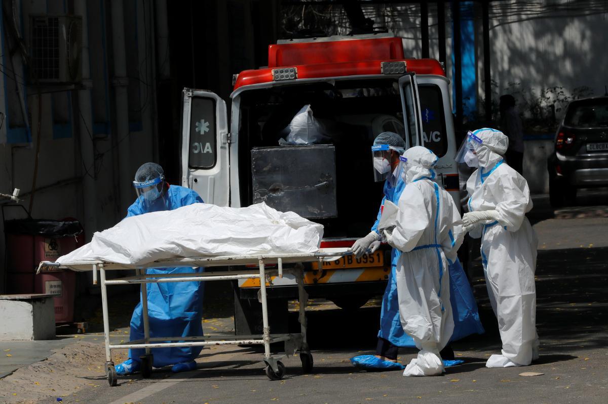 """В мире """"рекорд"""" по смертности от коронавируса / фото REUTERS"""