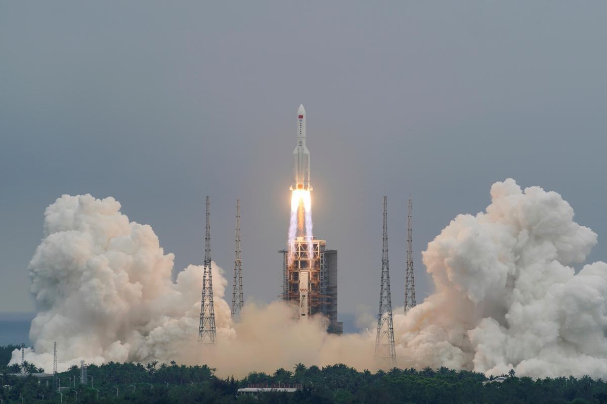 Китайская ракета-носитель вскоре упадет на Землю / фото REUTERS