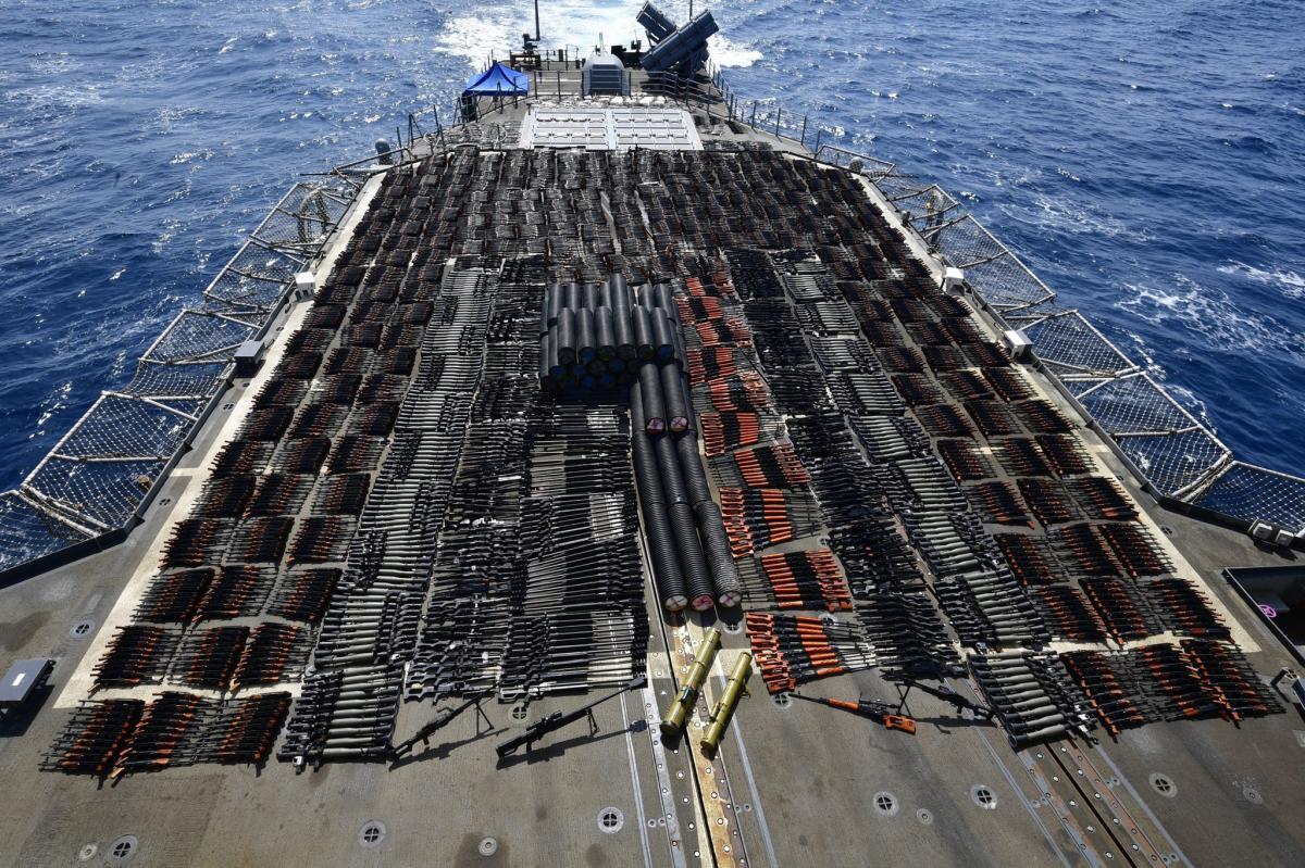 На бортувыявили российские противотанковые ракеты, китайские штурмовые винтовки, пулеметы и гранатометы / Скриншот Twitter