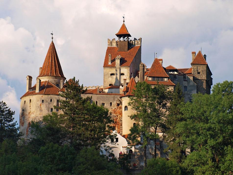Щепитися в замку Дракули люди зможуть кожні вихідні протягом травня / фото wikipedia