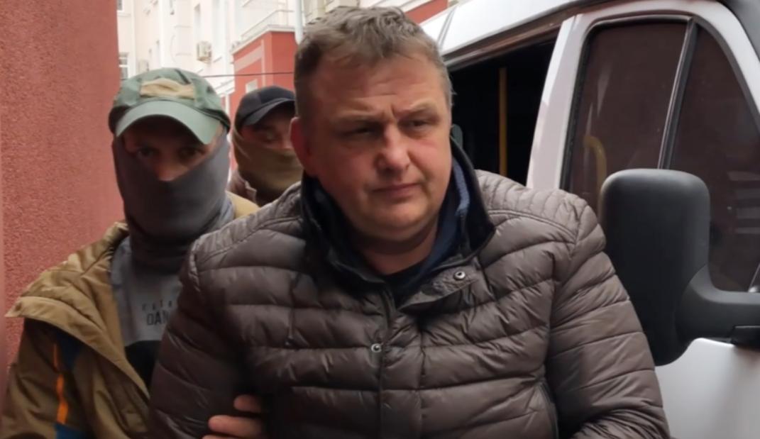 Журналіст Владислав Єсипенко заявив, що невідомі в масках насильно посадили його в автомобільі два днінезаконно утримували в підвалі у Севастополі / Скріншот