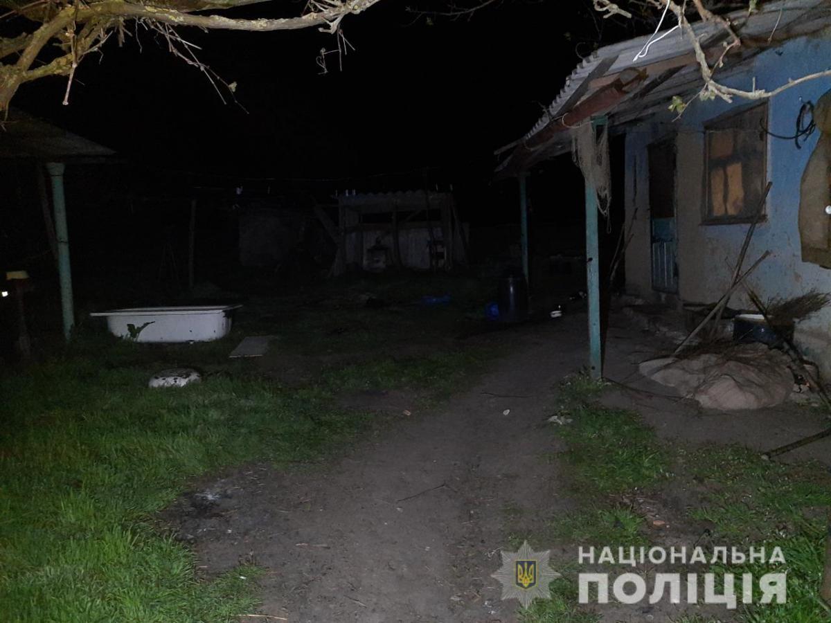 Женщина пыталась успокоить соседа, который ссорился с женой и хотел ее избить / фото od.npu.gov.ua