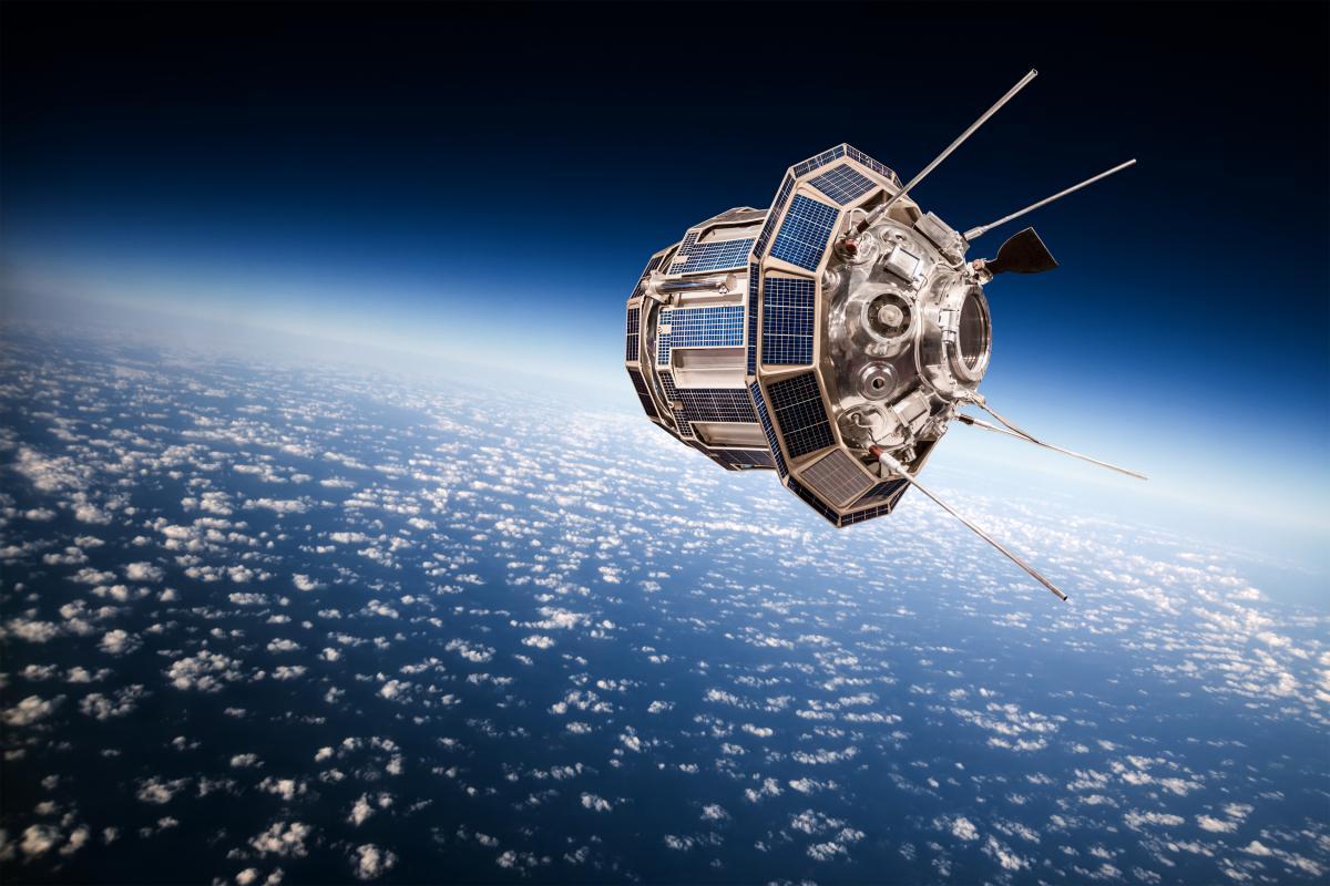 Украина планирует запуск своего спутника в космос / фото ua.depositphotos.com