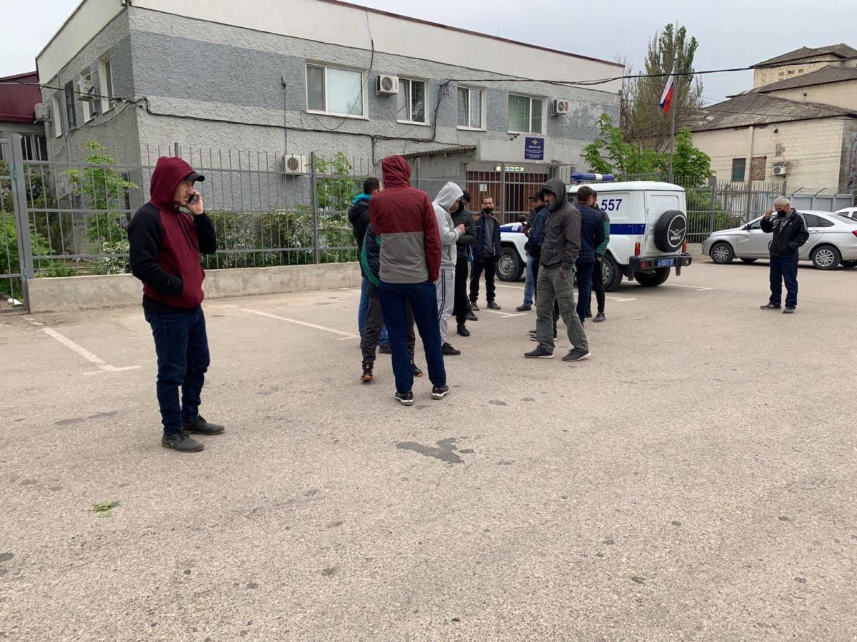 Оккупанты застрелили мужчину / фото facebook.com/lutfiye.zudiyeva