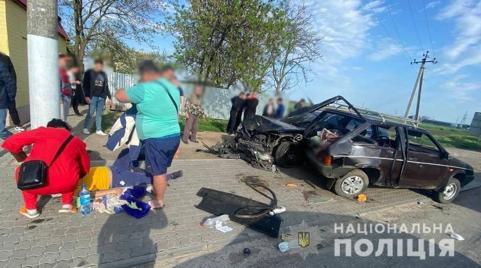 В результаті ЛТП постраждали четверо людей, одного госпіталізували / фото Нацполіція