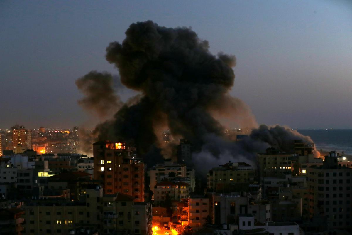"""США и ЕС осудили ракетные обстрелы как """"неприемлемую эскалацию"""" / REUTERS"""