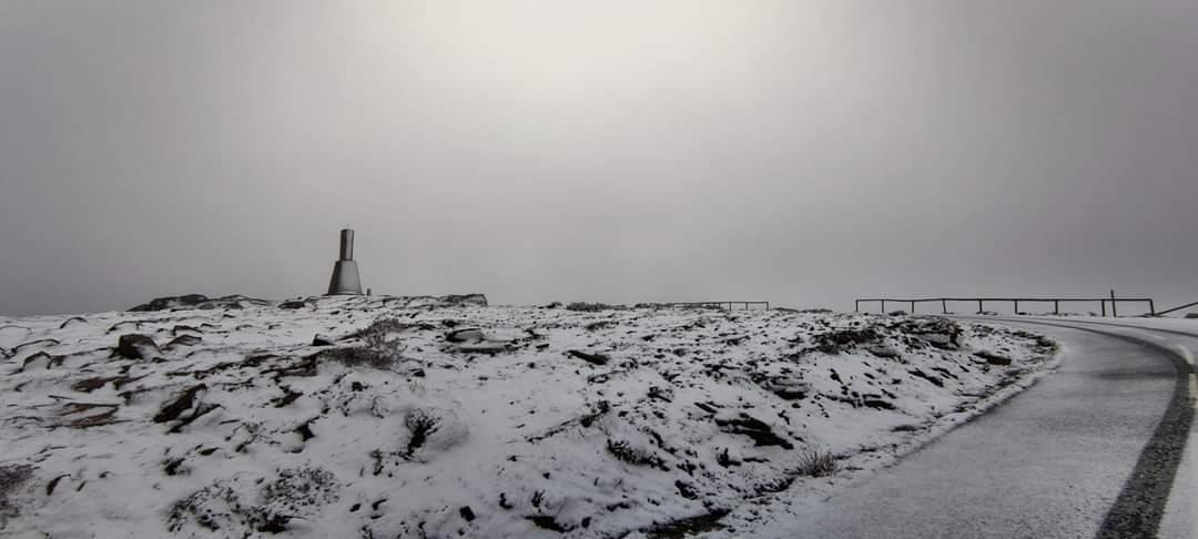 Португалию накрыло снегом / Фото @MeteoTrasMontPT/Twitter