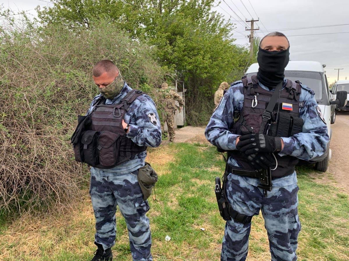 У Криму застрелили чоловіка під час обшуку / фото facebook.com/crimeahrg