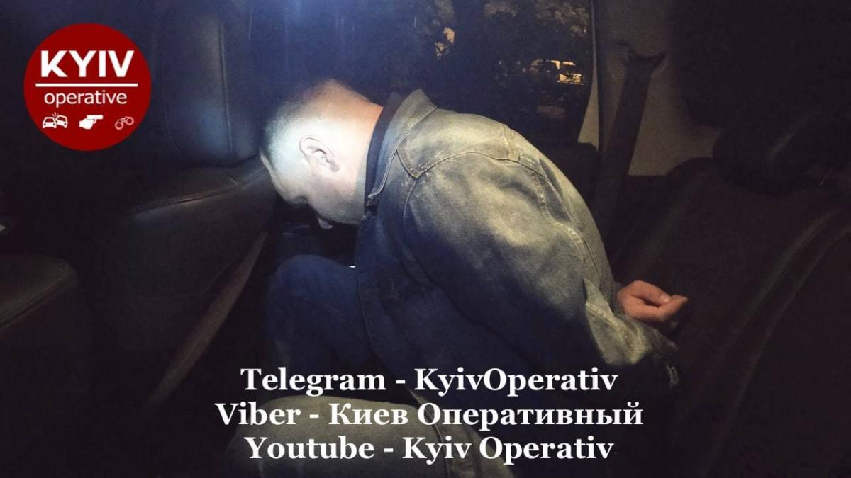 У Солом'янському районі Києва під час конфлікту чоловік вистрелив у знайомого з травматичного пістолету / фото t.me/KyivOperativ