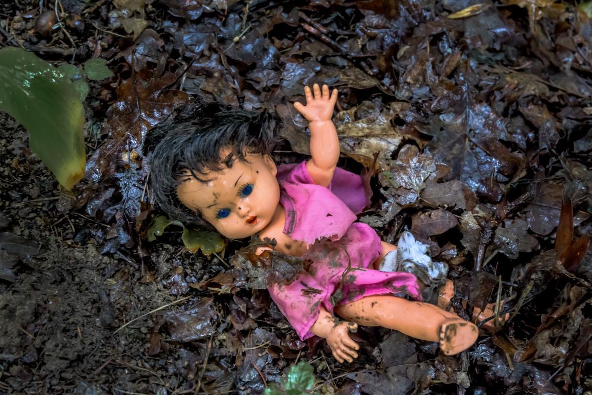 Обгризене тіло немовляти знайшли біля річки в Бурятії / фото ua.depositphotos.com