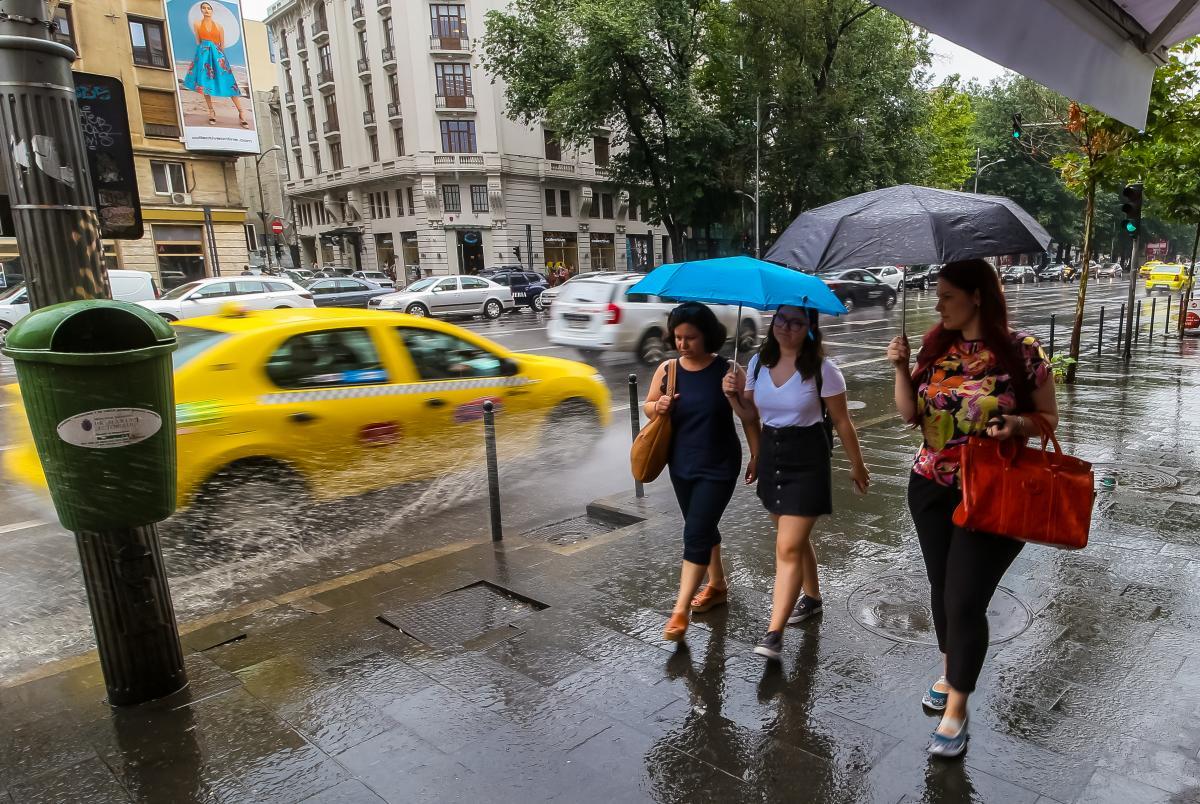 Прийдешнє літо очікується дощовим та спекотним / Фото ua.depositphotos.com