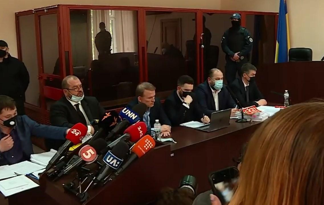 Виктор Медведчук в зале суда / кадр из видео