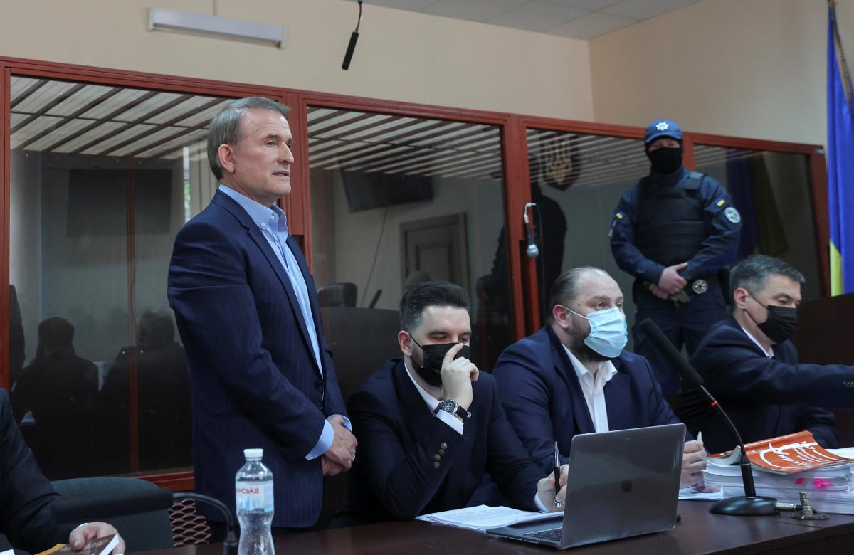 Прокуратура наполягає на взяттіМедведчука під варту, а адвокати оскаржуватимуть його домашній арешт / REUTERS