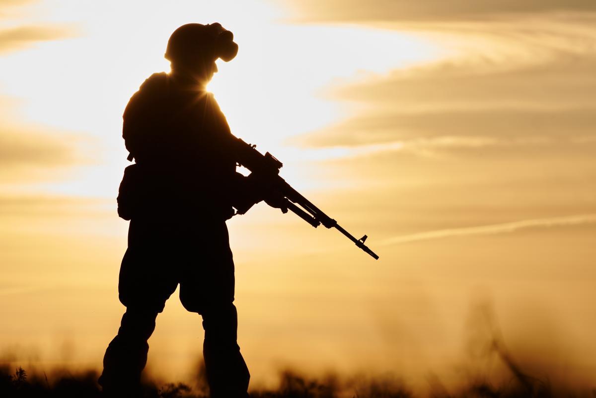 Український військовий на Донбасі загинув від кулі снайпера / фото ua.depositphotos.com