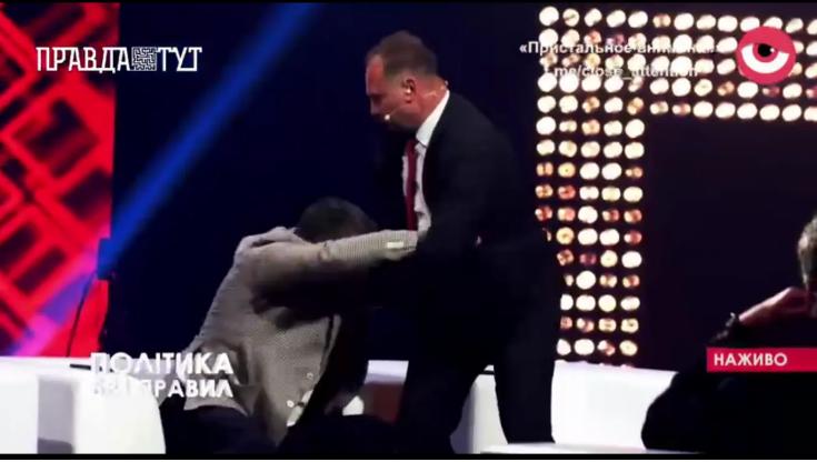 """Барна влаштував бійку зі """"слугою""""Соломчуком/ скріншот відео"""