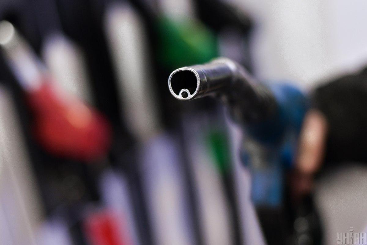 14 травня Кабмін ввів державне регулювання цін на бензин / фото УНІАН, Володимир Гонтар