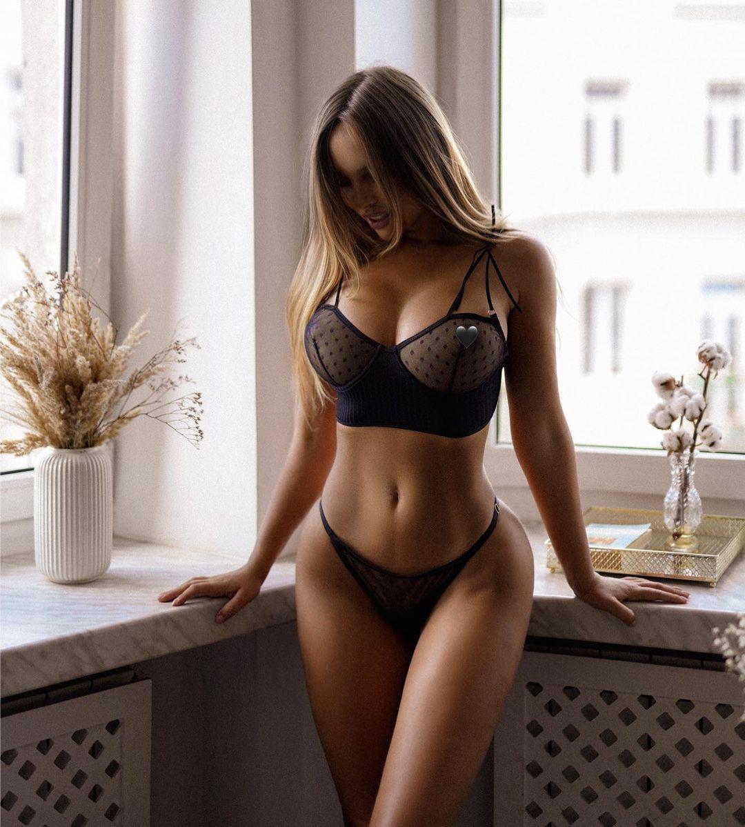 Модель показала пікантне фото / instagram.com/veronicabielik