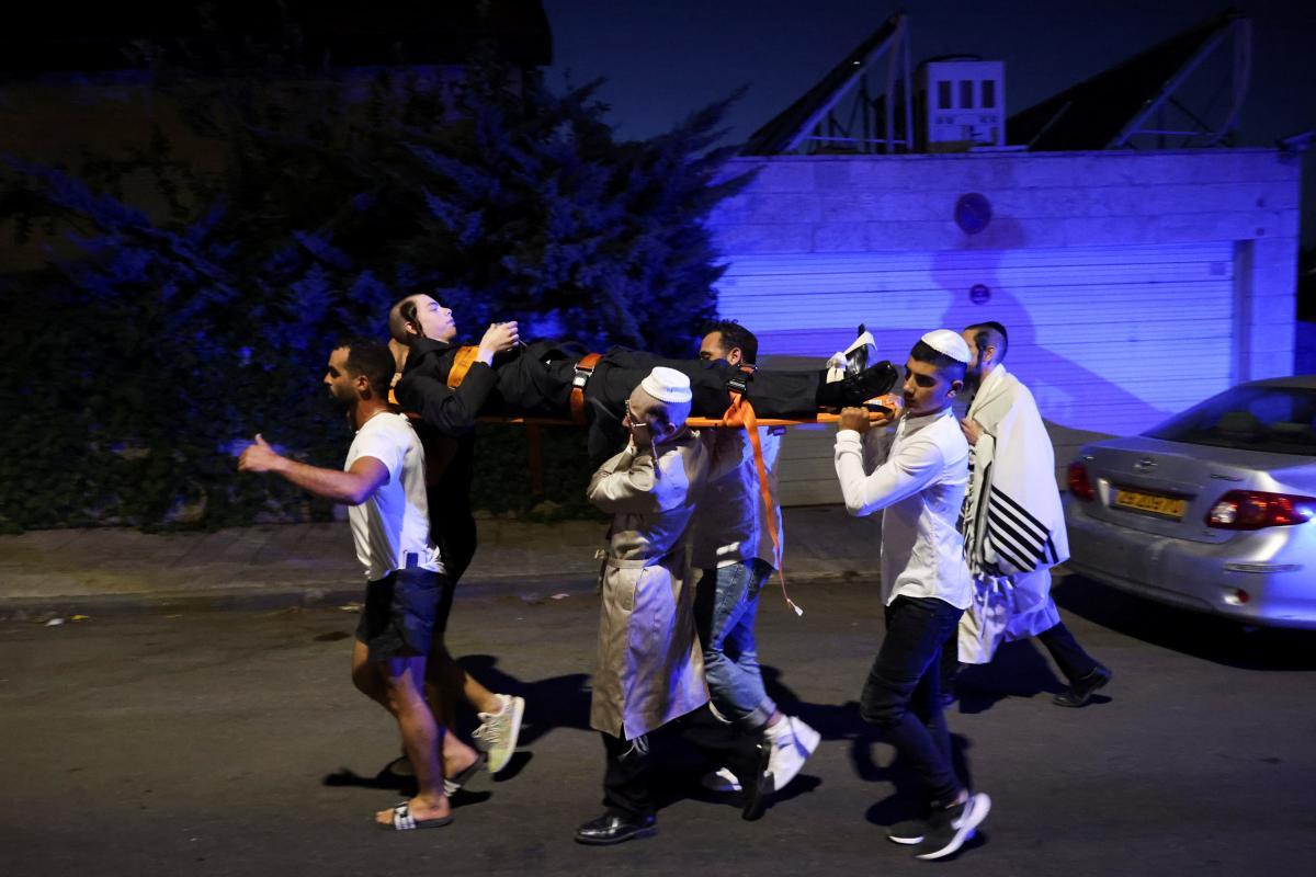 Кількість постраждалих при обваленні в синагозі збільшилася до 219 \ фото REUTERS